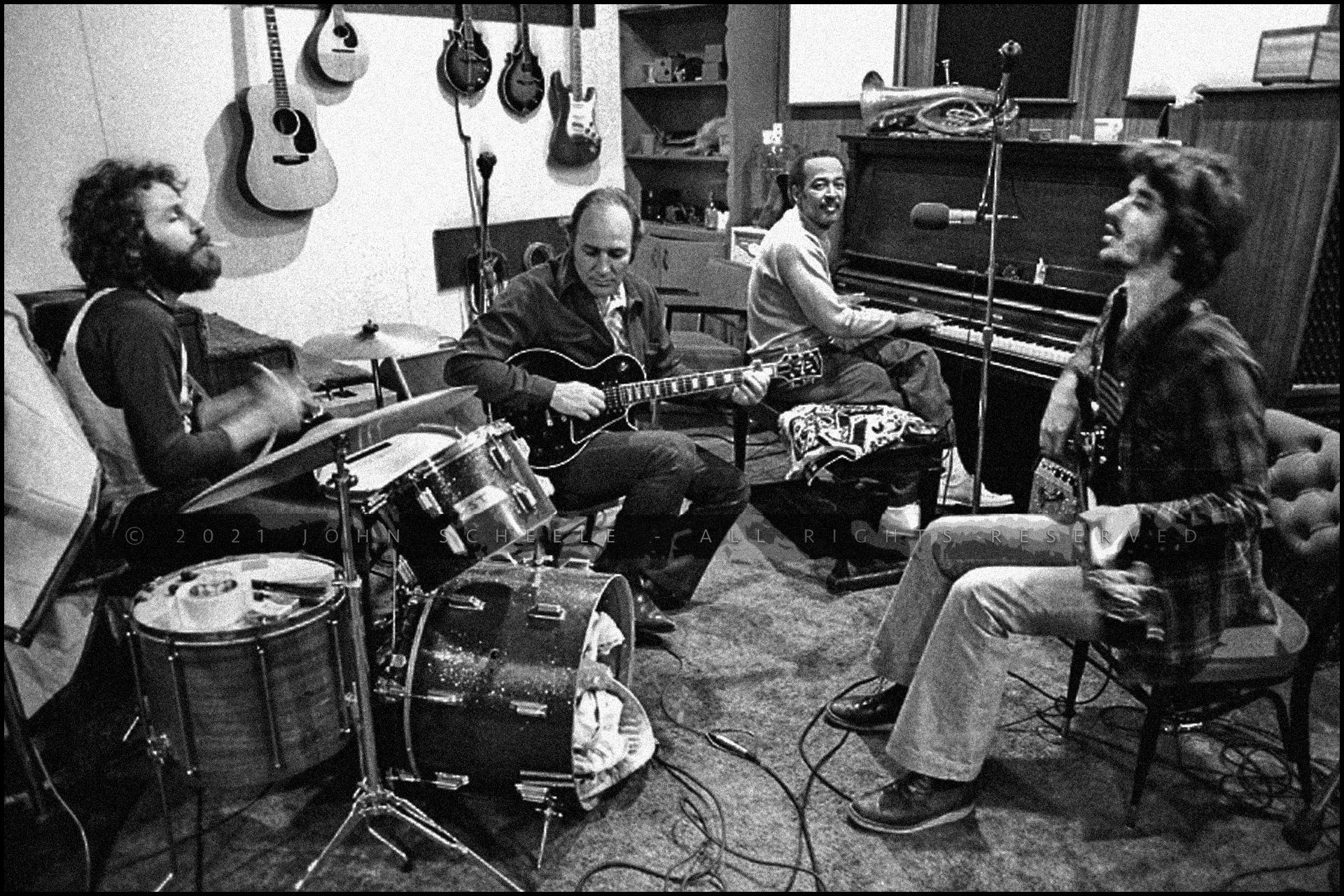 LEVON HELM, FRED CARTER, JR., HENRY GLOVER, RICK DANKO The Band - Shangri-La Studios, Malibu, CA (1975) © John Scheele