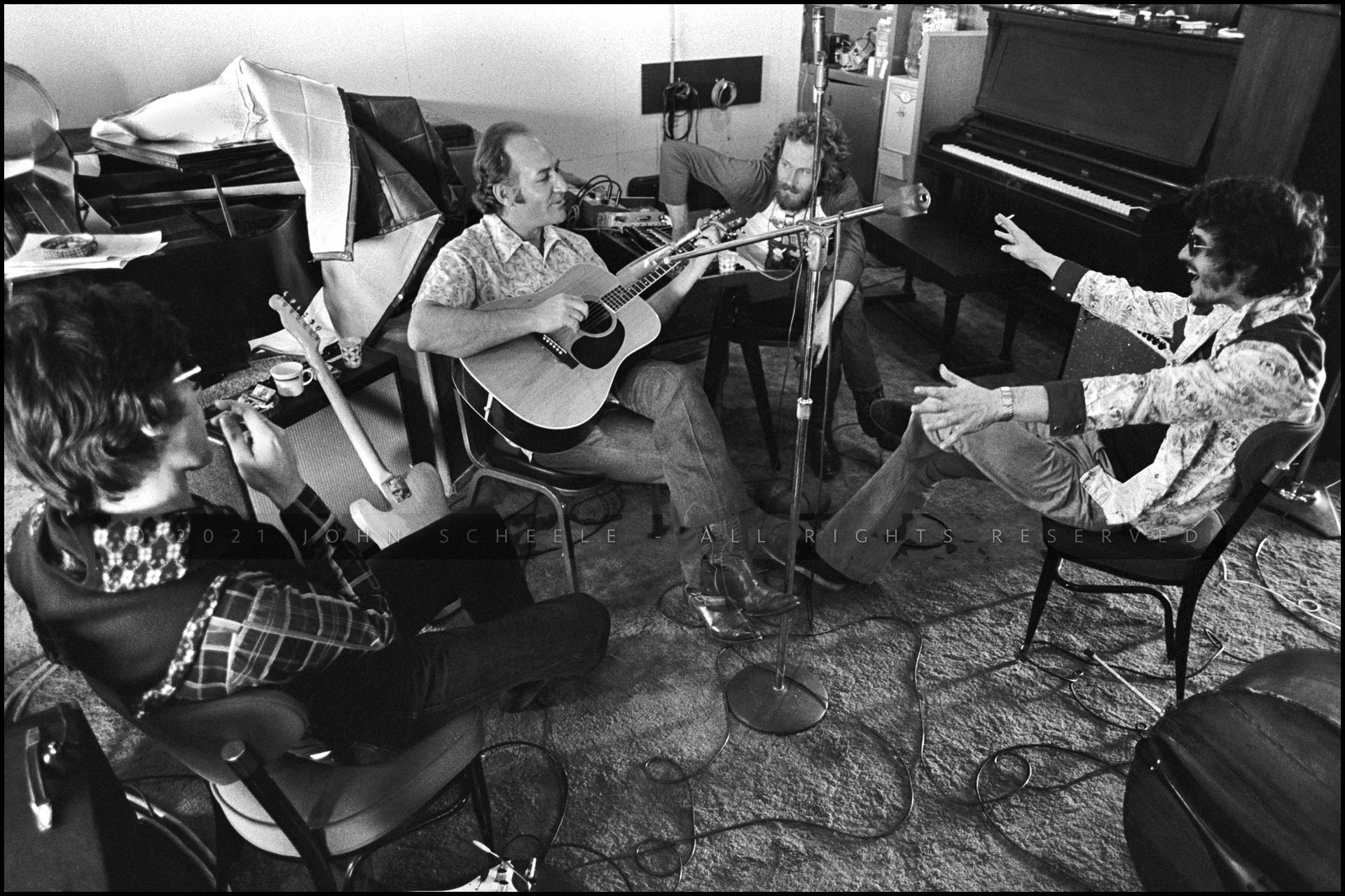 Robbie Robertson, Fred Carter, Jr, Levon Helm, Rick Danko Shangri-la Studio, Malibu (1975)